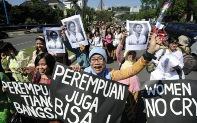 Female Journalists Faced Multiple Role Attacks
